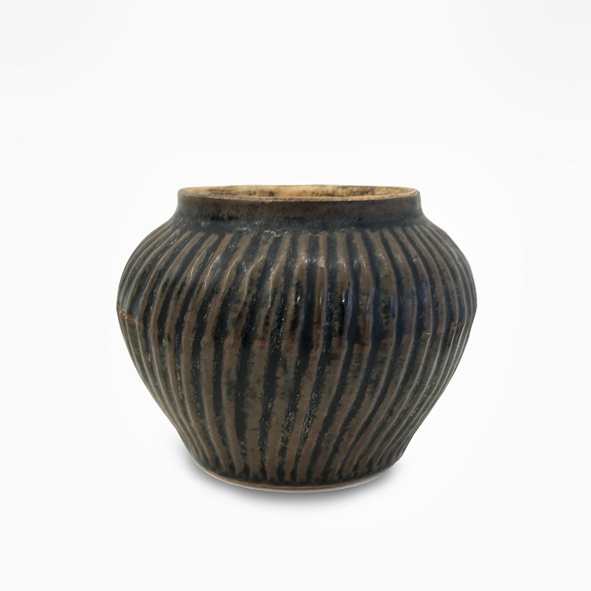 A pair of Quingbai jars |Ming dynasty | basedonart gallery