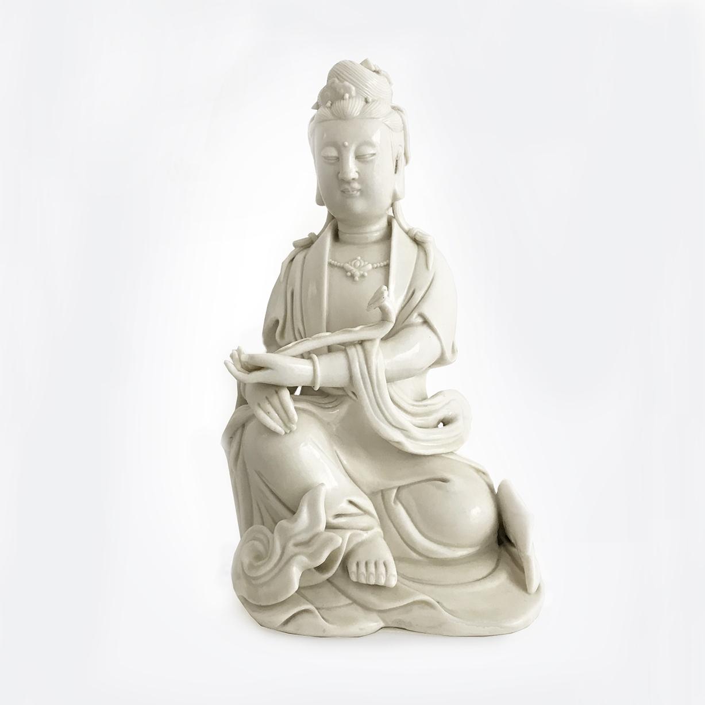 Guanyin blanc de chine | porcelain | China , Dehua | Qing Dynasty | basedonart gallery